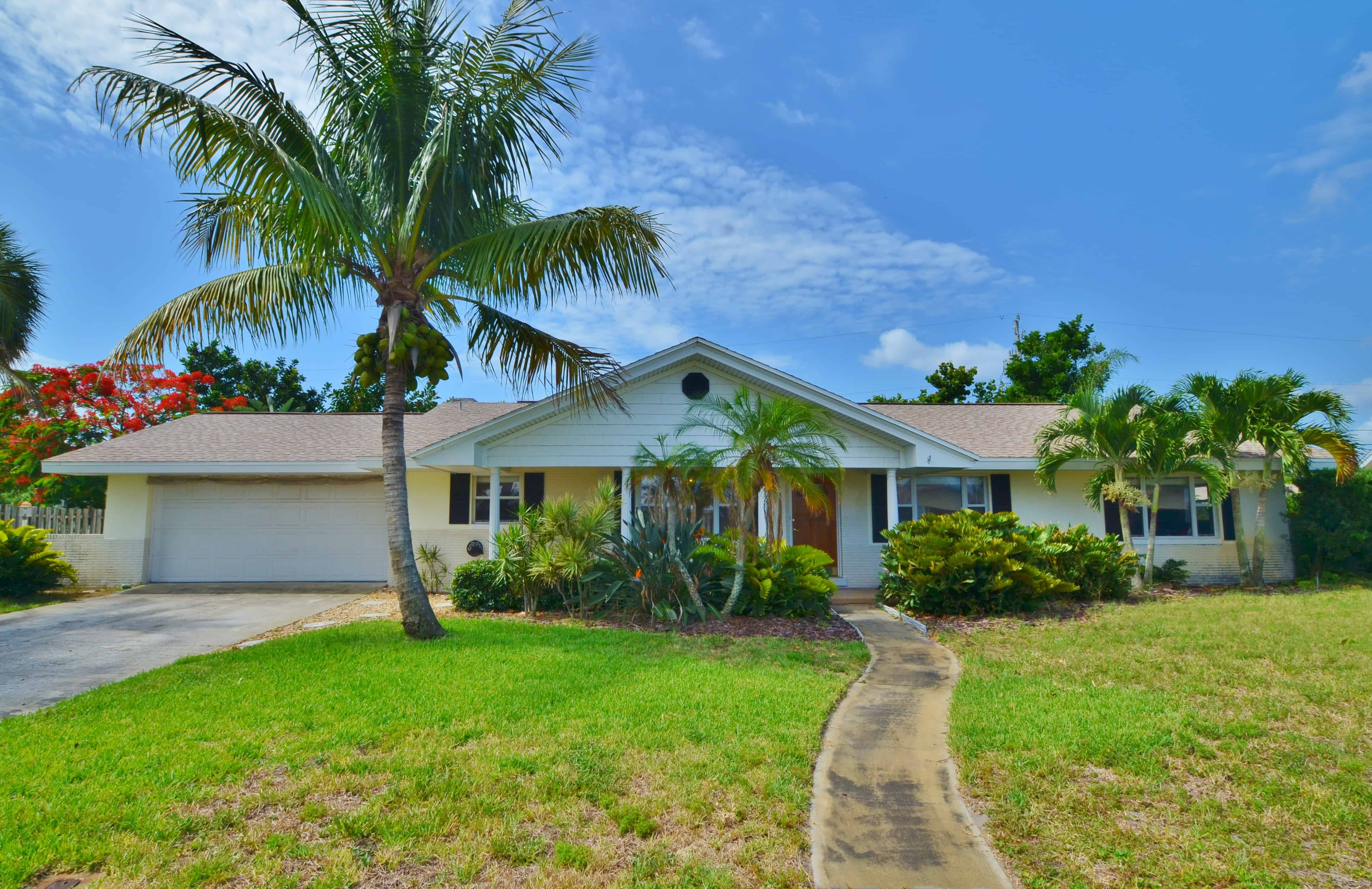SOLD – Rio Lindo – 581 N. Sonora Circle Indialantic, FL 32903 – $210,000