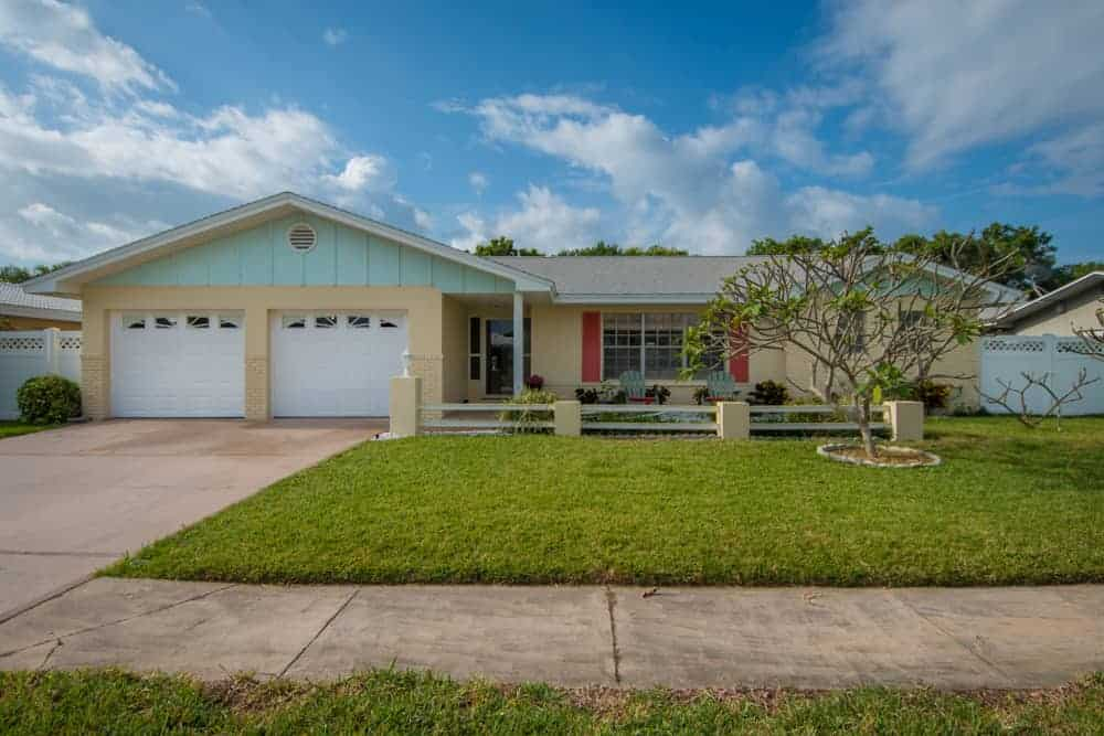 SOLD – 118 Holiday Lane Cocoa Beach, FL 32931 – $280,000