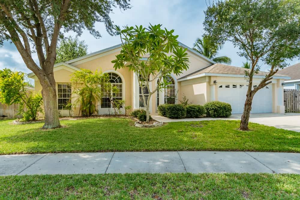 SOLD – 1345 Sanibel Lane, Merritt Island, FL 32952 – $259,900