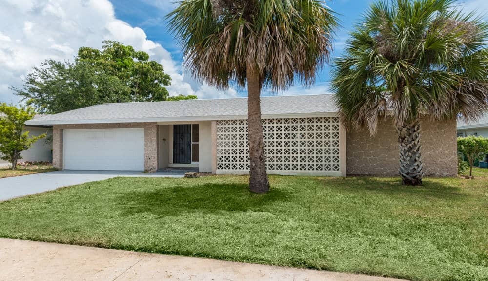 JUST LISTED – 158 Via De La Reina, Merritt Island, FL 32953 – $399,900
